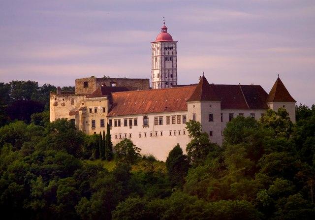 Renaissanceschloss Schallaburg (45 km)