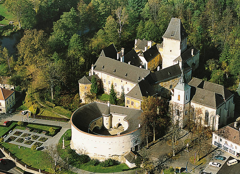 Schloss Pöggstall (13 km)